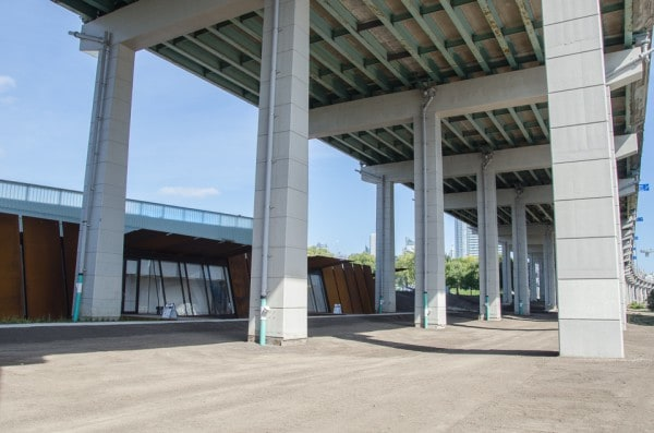 Forecourt space